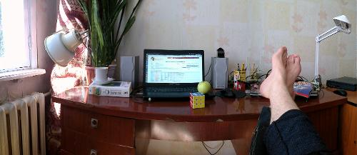 Типичный стол типичного яблочника