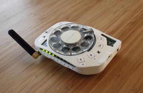 Свободный сотовый телефон с дисковым набором — почему бы и нет?