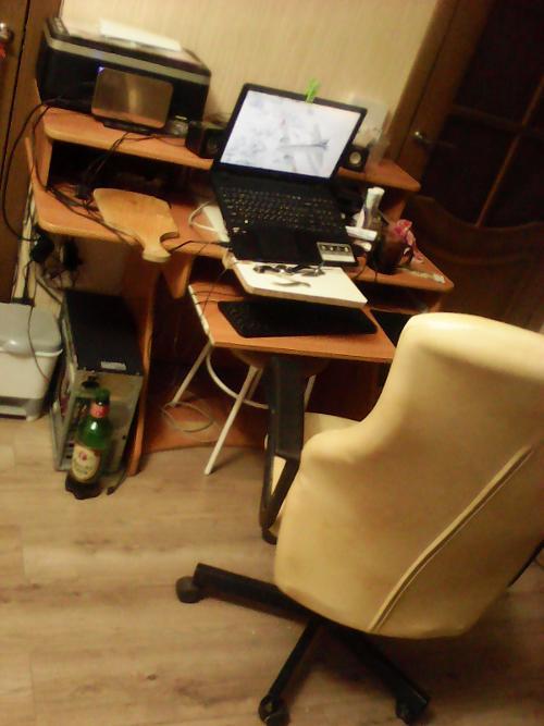 Починил кресло